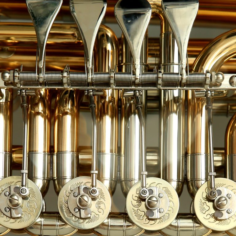 silver-gold-musical-instrument-51932